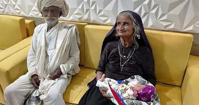 印度70岁老妇跟75岁丈夫产下一个男婴!网友:太自私了