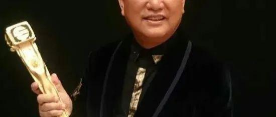 疑穿A货上节目!70岁TVB著名爱国男星撞衫知名品牌,网友猜是网上购买