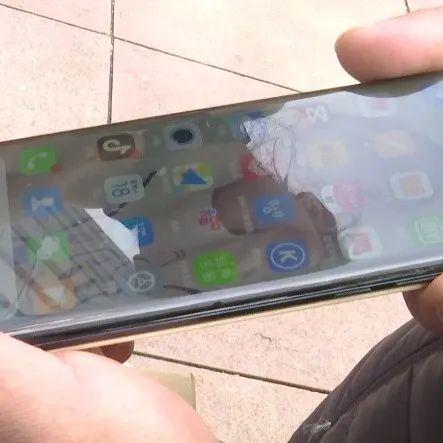 刚买的手机就出现黑点? 要求换新却被拒!店家回应……
