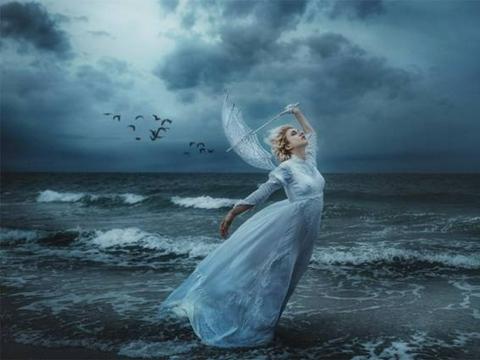 在她的镜头中,模特们美成油画中的女神