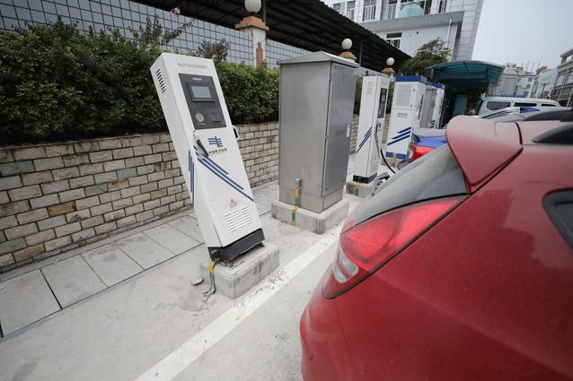 充电位成为停车位,东莞新能源车遭遇充电难