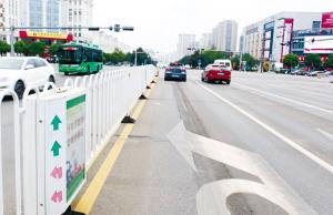 """安宁市5.6公里道路装上""""智慧护栏"""""""