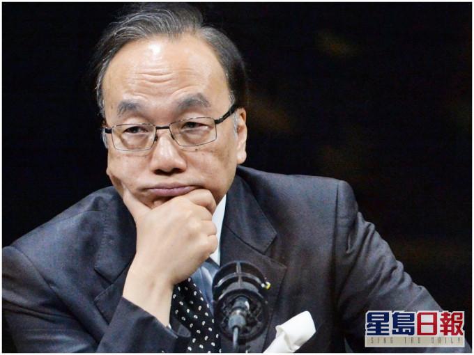 """香港前反对派立法会议员为戴耀廷""""辩护"""",梁振英以一则形象比喻戳穿谬论"""