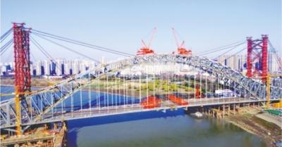 第七座跨汉江公路大桥汉江湾桥主桥贯通