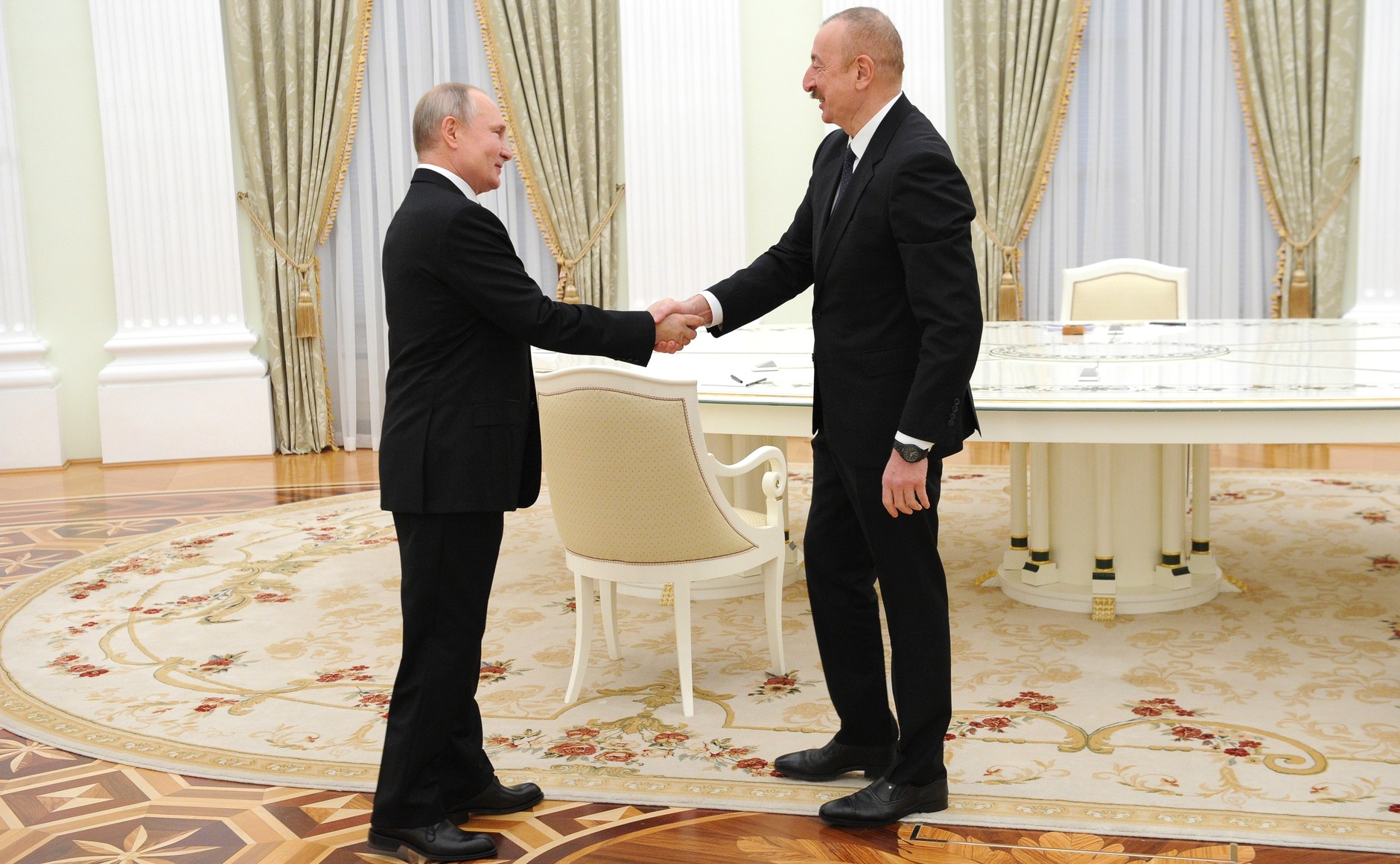 俄阿亚三国领导人会谈结束 签署关于纳卡地区发展的联合声明