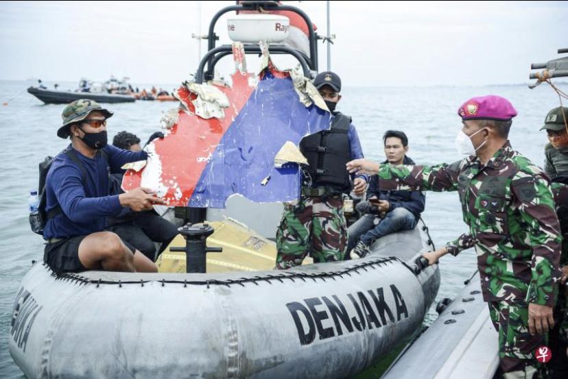 嫌机场核酸检测太贵改乘船,一家八口幸运躲过印尼空难