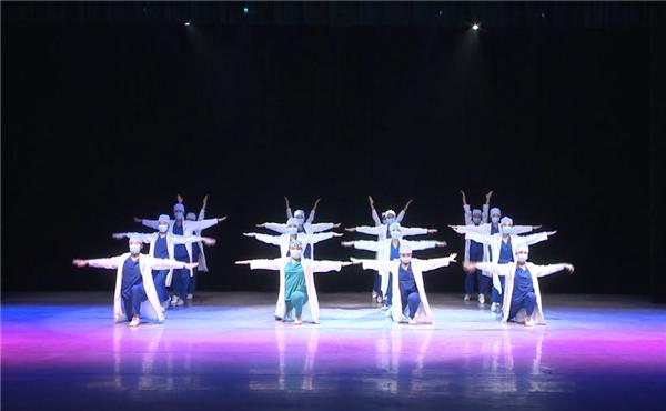 济南一中在济南市第十六届班级文化艺术节上大丰收