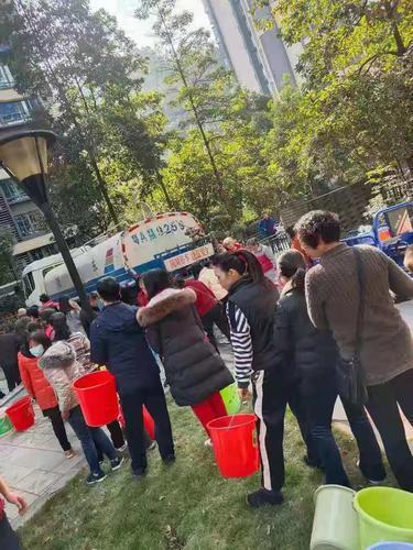 广州增城凤凰城停水超24小时!目前已恢复部分区域供水