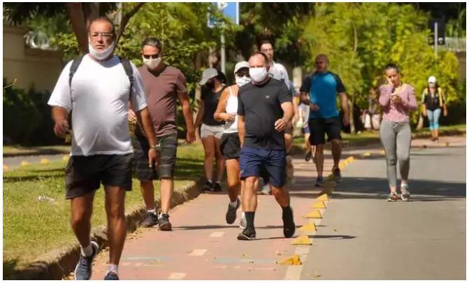 巴西圣保罗州新冠肺炎病例年末假期后出现明显增加
