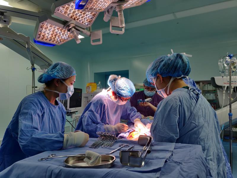 """两台手术""""合并""""操作,成都前置胎盘产妇顺利生下宝宝"""