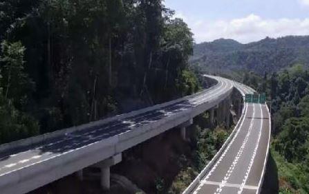 云南西双版纳实现县县通高速公路 将成中国与东南亚交通枢纽