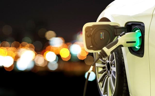 新能源车1000公里续航之争,专家:人为造成的里程焦虑