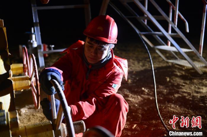 青海油田采气三厂最年轻的班长:父亲的荣耀就是我的荣耀