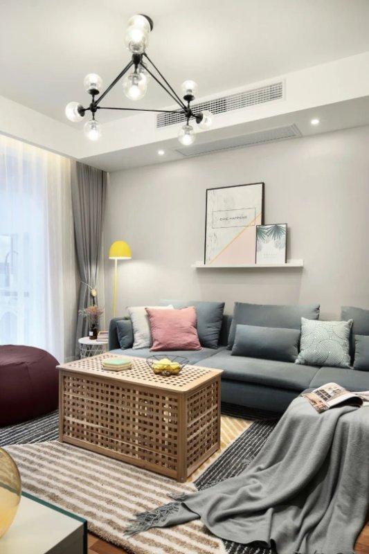 这套85平米的二居室,最后还是选定现代风格,效果竟远超预期。