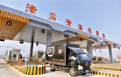 京津冀交通路网日益密集 跨城通勤方式不断优化