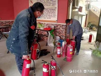 菏泽张湾公交场站附近一饭店着火,多人受困还有四月大婴儿