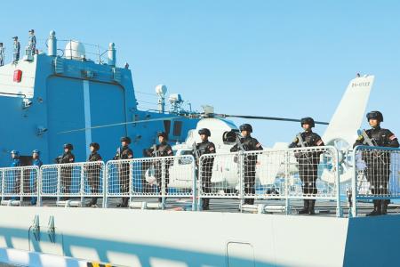 海军第37批护航编队奔赴亚丁湾