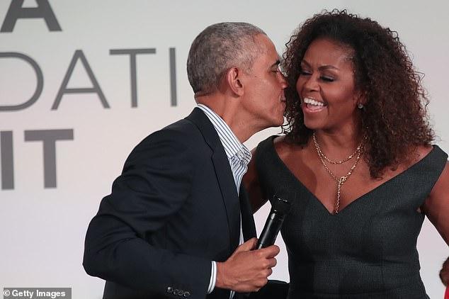 奥巴马为米歇尔庆生,社交媒体上发文:和你在一起的每一刻都是幸福