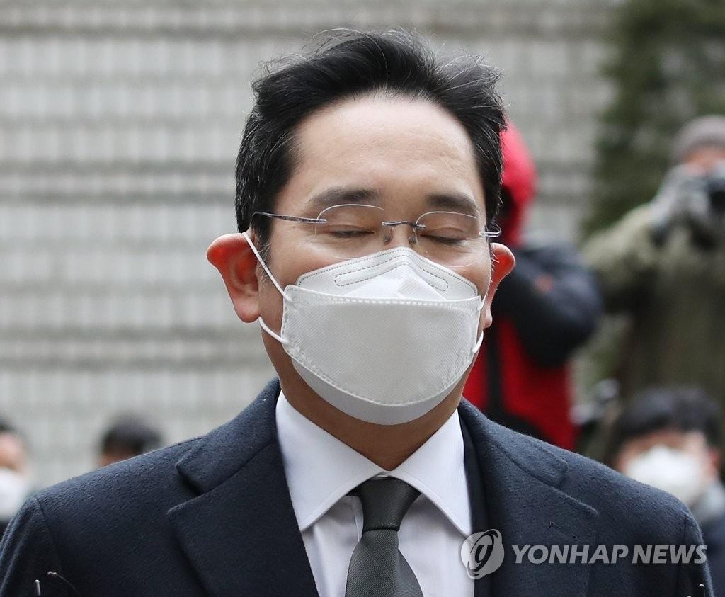韩国三星电子副会长李在镕行贿案重审获刑2年6个月