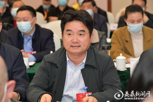"""代表之声丨李鑫:打造""""互联网+""""汽车综合服务平台"""
