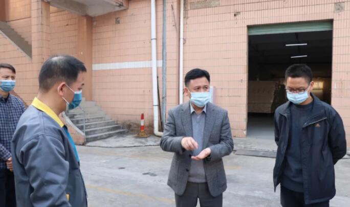 大朗:定期开展跨境货车司机核酸检测
