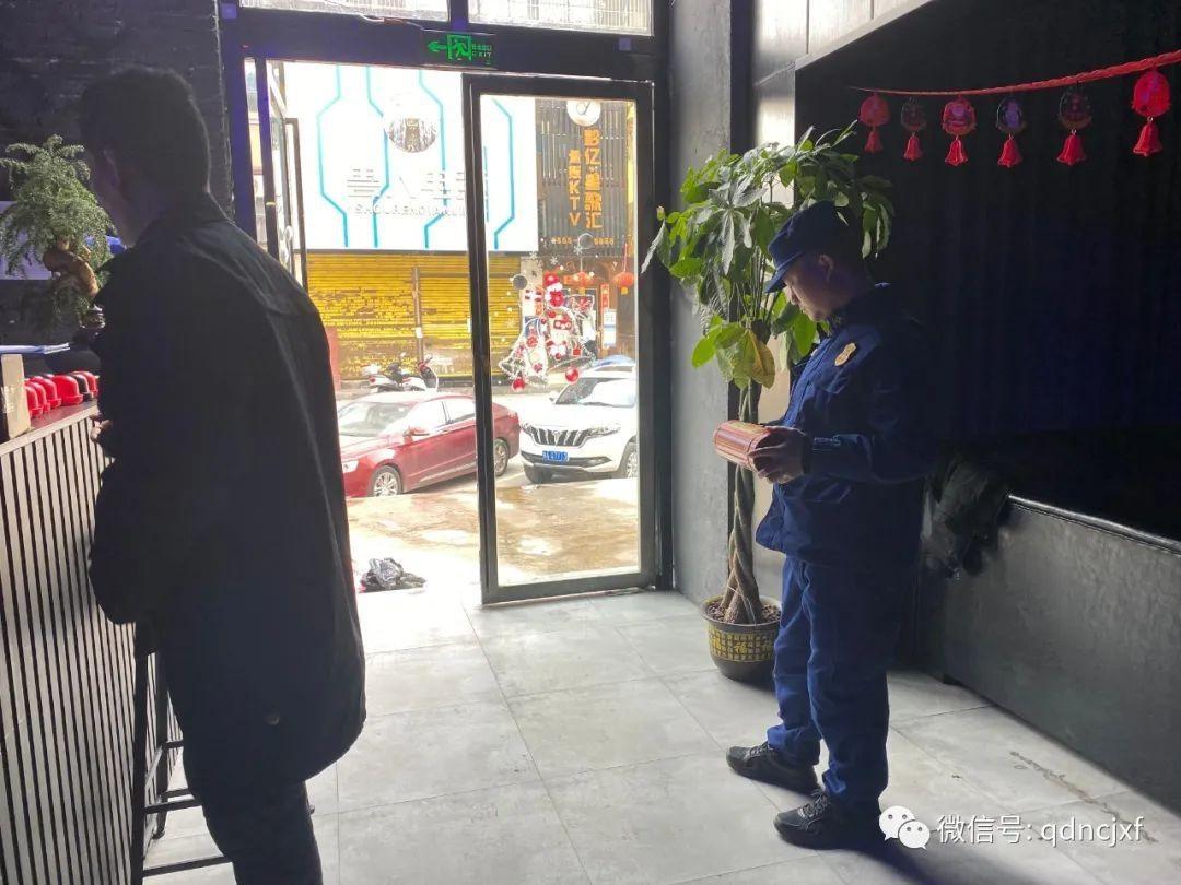 从江大队联合辖区市监局开展双随机消防产品、电气产品专项检查