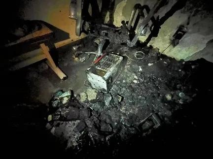 丽江18岁女孩炭火放屋里睡觉 家人发现时已不幸身亡