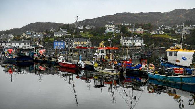 """苏格兰渔民怒了:这份""""卖国""""的脱欧协议摧毁了我们的生意"""