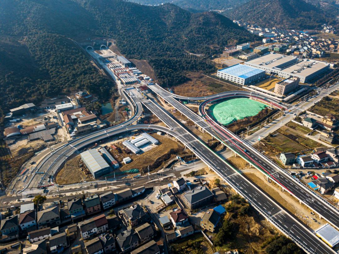 胜陆公路二期高架主线试驾体验报告来了!