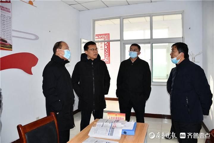 滨州市人大常委会党组成员、副主任吕德章到桑落墅镇开展调研