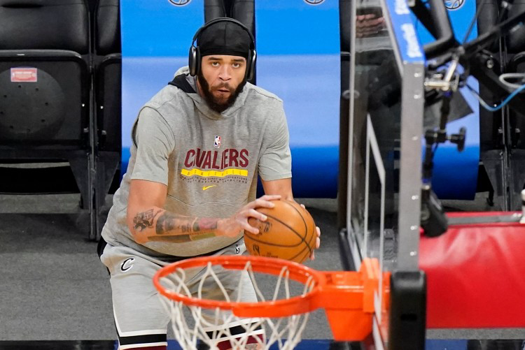 NBA官推祝骑士队员麦基33岁生日快乐