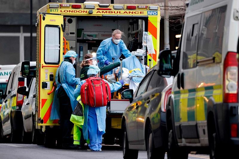 英国新冠肺炎患者住院人数达最高峰
