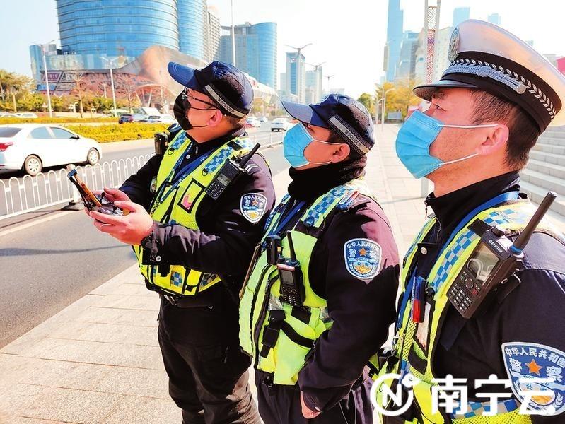 """南宁交警推行""""空地""""一体化新型勤务模式成效明显"""