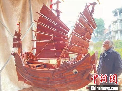"""浙江沿海老人""""追梦与造船"""":从一见倾心到爱船成痴"""