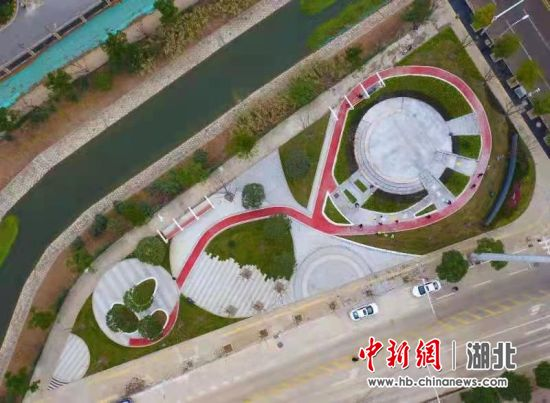 """""""95后""""创意变公园 武汉首个众规口袋公园建成开放"""