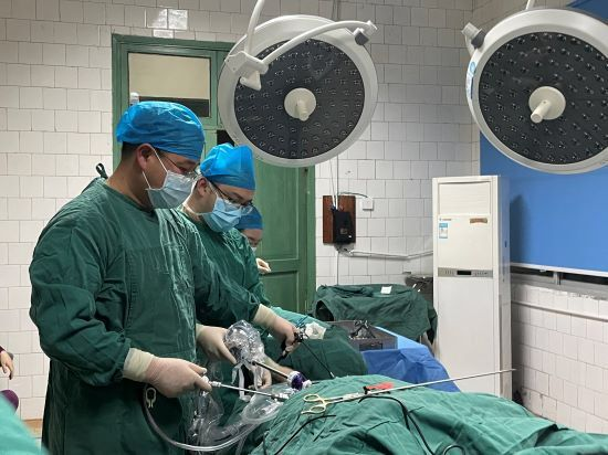 腹腔镜微创手术帮你忙