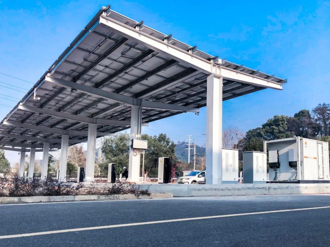 绿电10万度,减少碳排放100吨!星星充电主导光储充一体化充电站成功上线