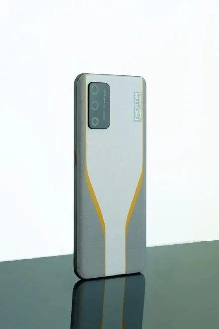 realme Race 获海外认证,配备 125W 有线充电