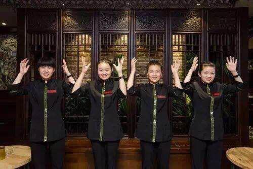 """Qing听丨西安有家""""最安静""""火锅店 服务员一水听障人士"""