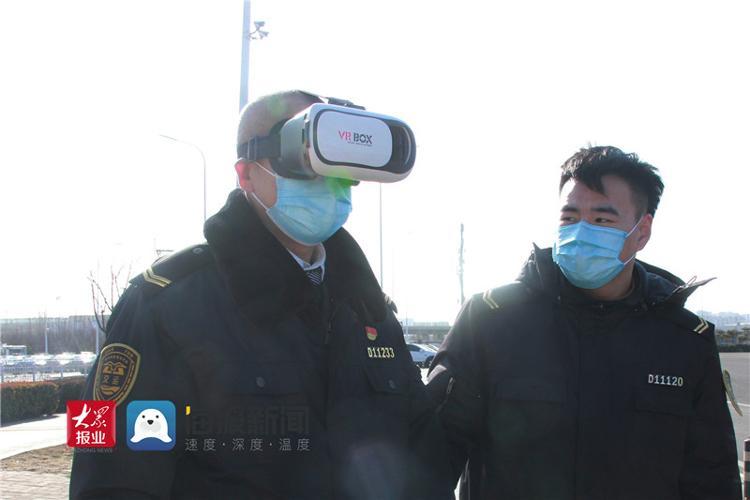 青岛温馨巴士硬核提服务  连VR都用上了
