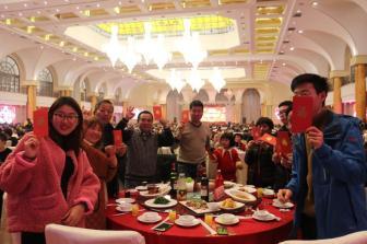 马来西亚规定团圆饭不可在餐馆享用 餐饮业受冲击