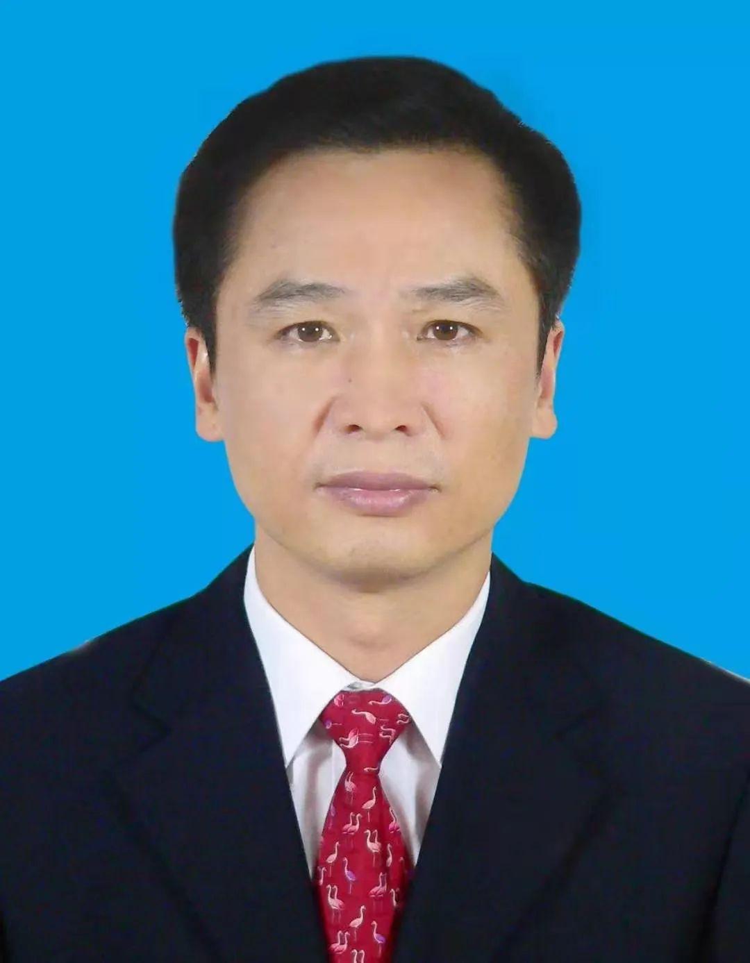 政法人事录|陈明国任新疆维吾尔自治区政府副主席、公安厅厅长