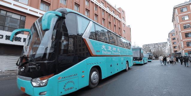大连一高校安排多架包机、高铁专列送沈阳兰州太原学生回家