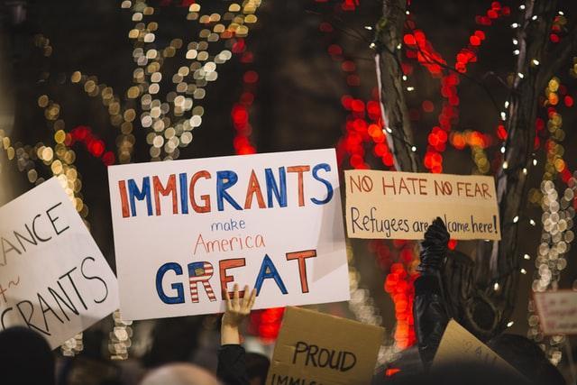 一个非法移民家庭的美国梦:我清白的代价是我父母的罪行