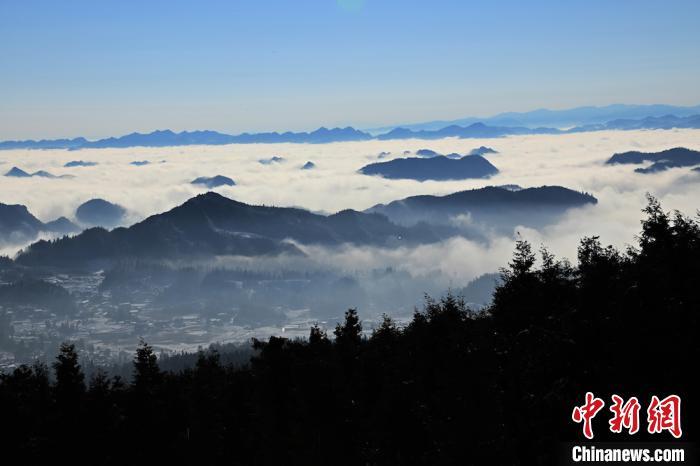 四川叙永:罗汉林雪后云海景观美景如画