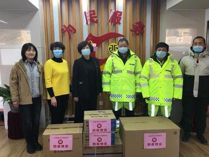 助力防疫攻坚,济南嘉乐生殖医院向社区和环卫工人捐赠防疫物资
