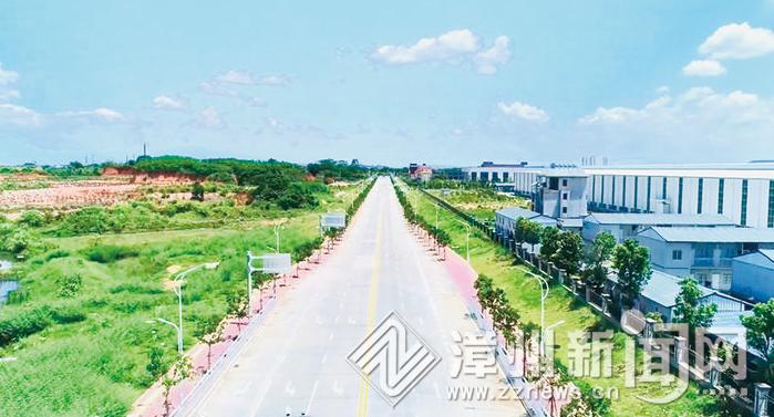 漳州高新区:  两条路通过竣工验收