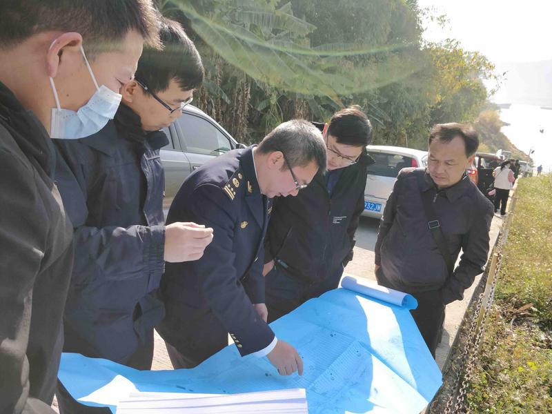肇庆海事局给力保障护航肇明高速杨梅西江特大桥水上钻探作业