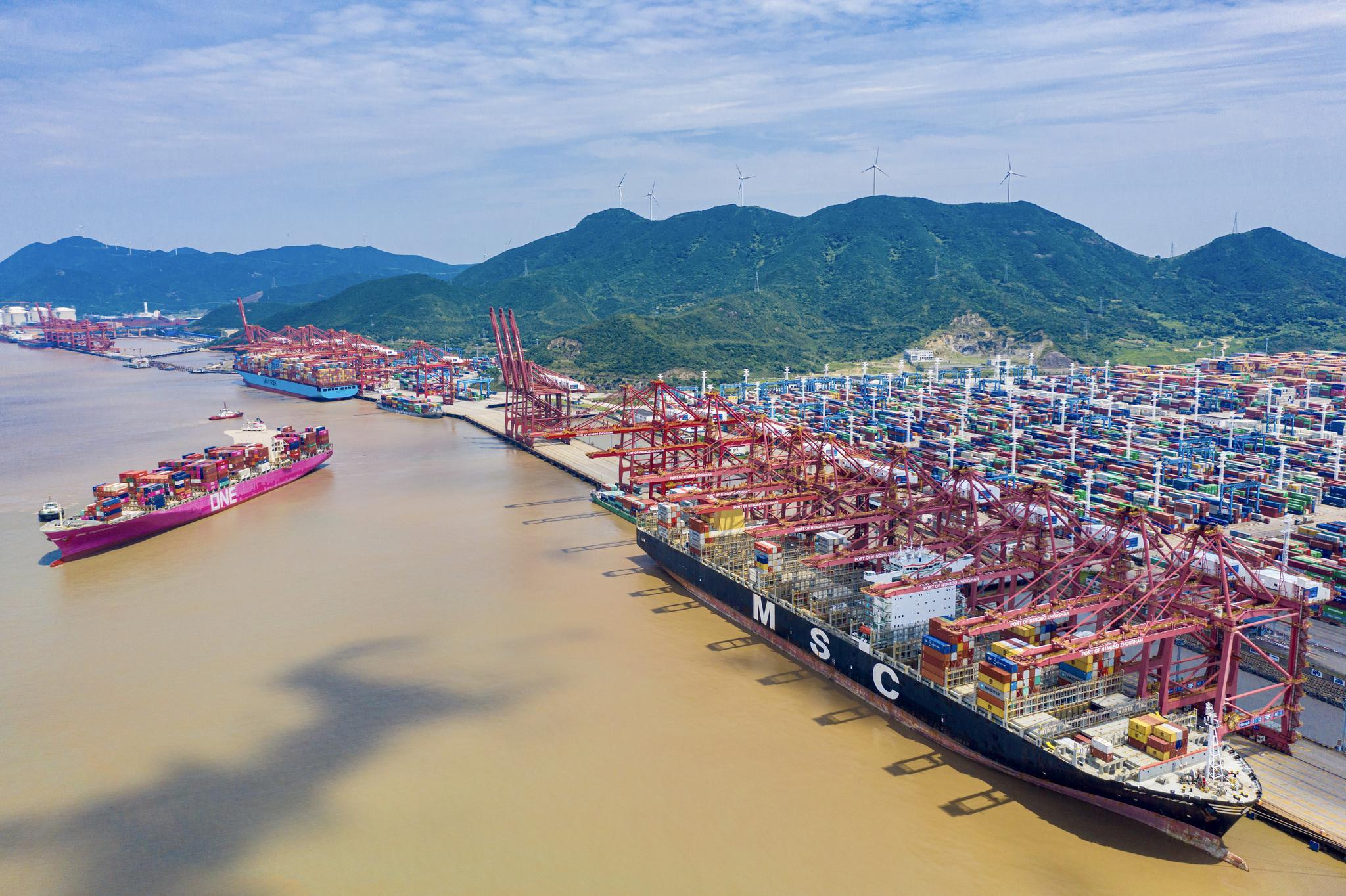 """宁波外贸企业遭遇缺箱之痛 航运市场""""一箱难求""""如何破解"""