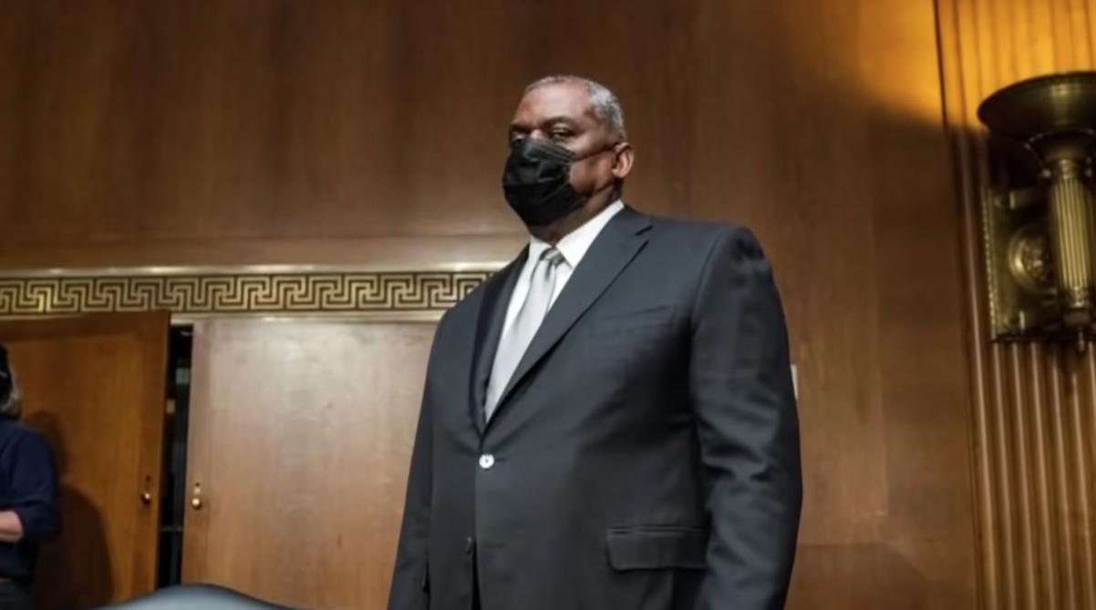 美国首位黑人国防部长挑战之一:清除军队种族歧视和极端主义